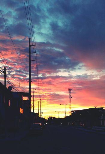 Atardecer Dentro De La Ciudad Guayacanes Soledad, Reflexion Cloud - Sky Dramatic Sky