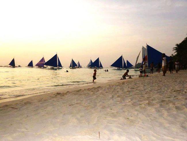 Sailing Boat Beach Kids Playing Boracay Philippines Itsmorefuninthephilippines