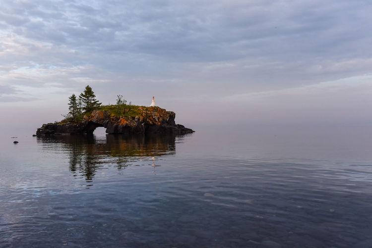 Mirror Nature Bride Bridedress Lake Wildlife