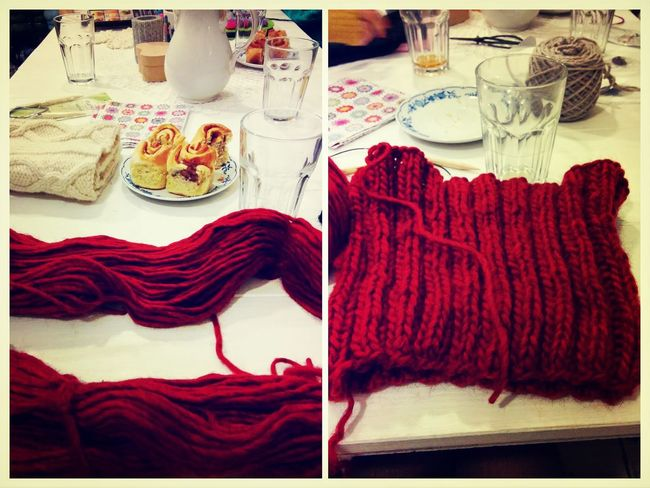 Knitting for a good cause: a loop scarf for Homeless people