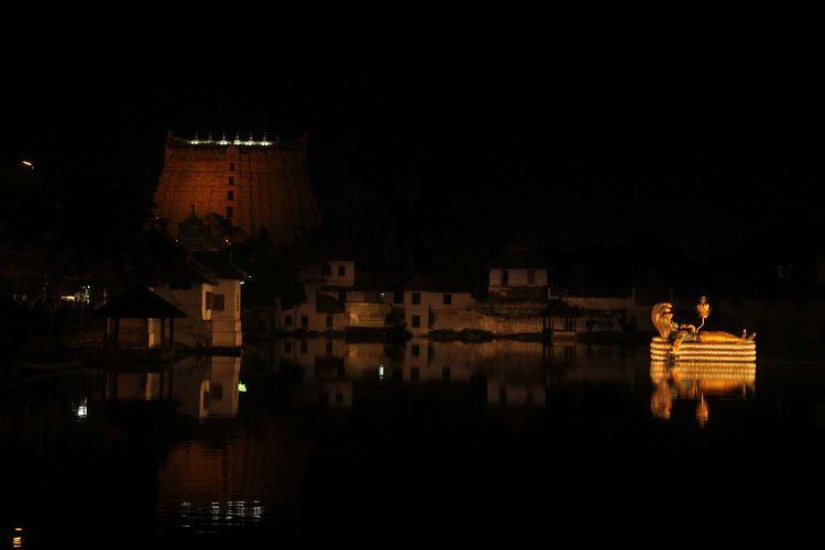 The Floating Idol Of Lord Vishnu Floating Idol Glowing Kerala Lord Vishnu Night Photography Reflection Sree Padmanabha Swamy Temple Temple Tourism Trivandrum First Eyeem Photo