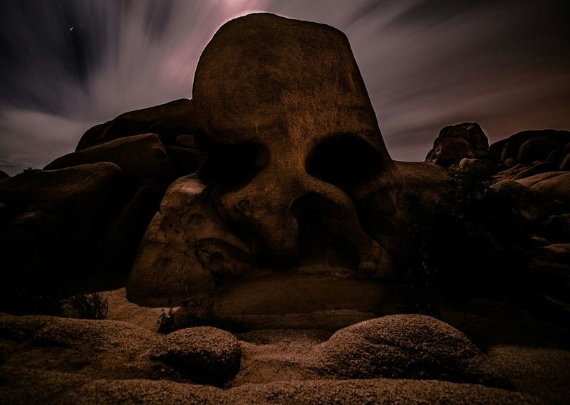 Leave me along, if the rock can talk! Skull Rock. Spooky Dark Photography No People Landscape Long Exposure Ominous Beauty Skull Face Nikonphotography Nikonphotographer Nikon D750 Sigma Lens
