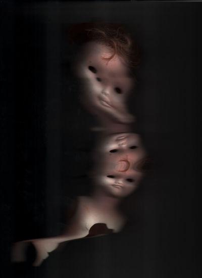 Art Numerique Portrait Headshot Indoors  Childhood Child Women Offspring Eyes Closed  Females Emotion Males  Men Smiling Black Background Studio Shot Looking At Camera Innocence Contemplation Hairstyle Soft Focus