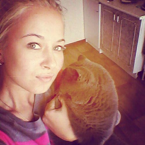 кошка стесняшка люблюэтумалышку ?