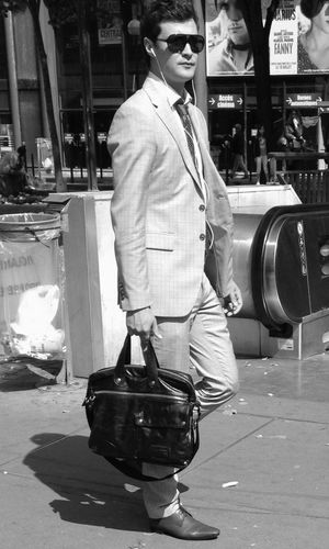 C'est souvent une histoire de look... Streetphotography Street Fashion Look At Me Bad Boy
