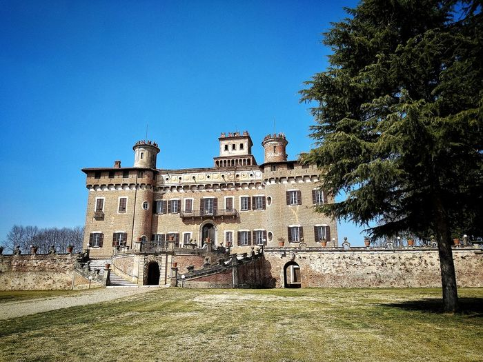Chignolo Po, Marzo 2019 Hdr_Collection Outdoors Castle Sky Trees Historical Building Architecture Building Exterior Built Structure