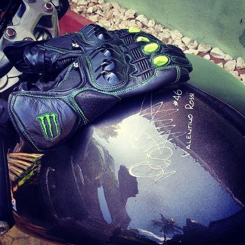 Alphinstars M1 Gloves Monster edition with my honda hornet lovely
