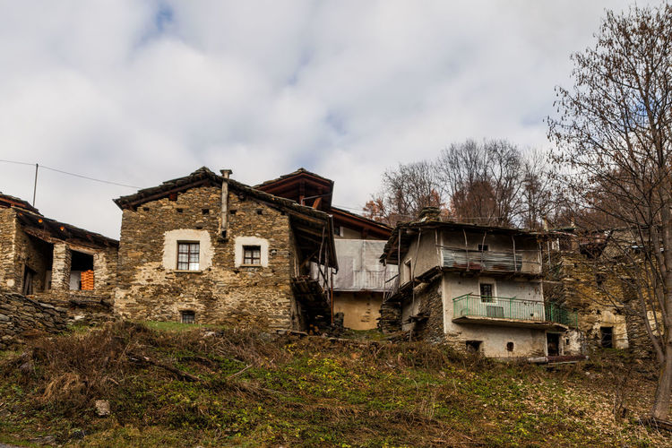 Old village Abandoned Agricultural Building Architecture Canon Cloud - Sky Damaged Extreme Weather House No People Outdoors Sky Tree Village Zörk