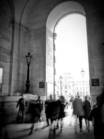 Street Architecture People Arch Paris Street Photography Eyeem Collection The Week On EyeEm Light Lumix Shadow Motion Slow Shutter Bnw Blackandwhite Louvre Perspective Entrance