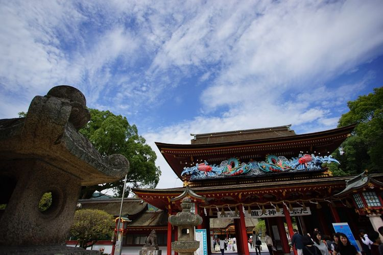 SONY α7II Canon EF 17-40mm/F4L Tadaa Community Architecture Built Structure Sky Building Exterior Cloud - Sky Travel Destinations Place Of Worship Tree Religion No People Outdoors Day History Cultures Eaves 太宰府 太宰府天満宮