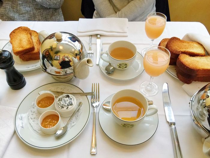 [ Sunday Morning ] My favorite breakfast moment? Sunday morning parisian breakfast with friends or family. My Favorite Breakfast Moment My Favorite Photo Morning Breakfast Tea Cup Tea Cup Juice Vitamins Beverage Close-up No People With Friends Bread Toast🍞 Jam Table Arrangement Sunday Morning Tea Room Vscocam