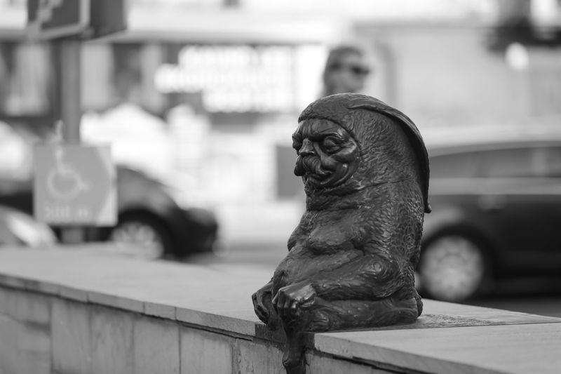 Statue of a bird