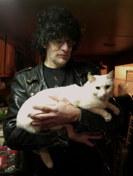 This is a friend of mine, Keith, who was a roadie for a major metal band. He also has a great appreciation for cats. Portrait Of A Friend Portrait Friend PortraitPhotography ROCKNLOVE Capture The Moment PixlrEffects Portraits Gentle Giant Roadie