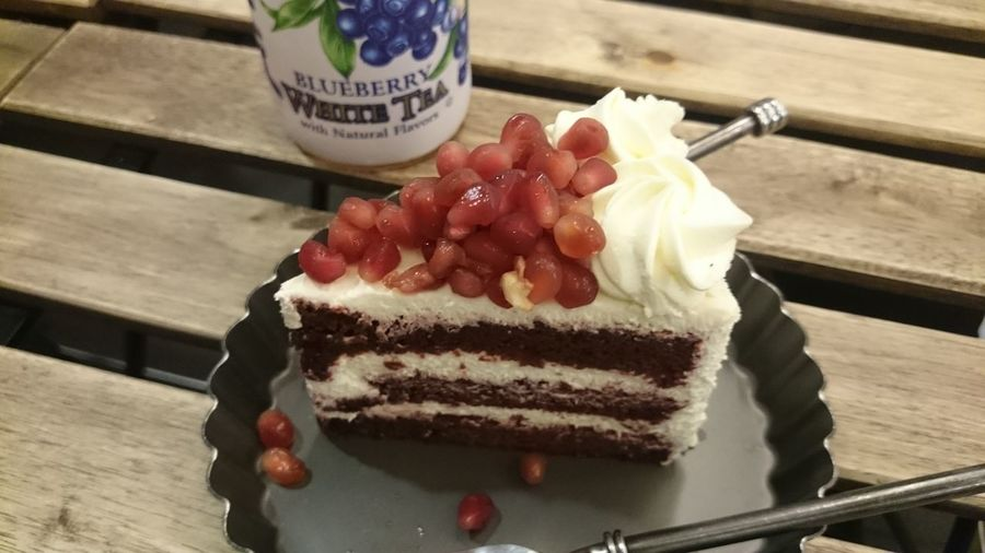 Pomengrenate Red Velvet ~ heavenly! Cake Dessert EyeEm Best Shots Food Foodphotography Foodporn Delicious Relaxing Enjoying Life