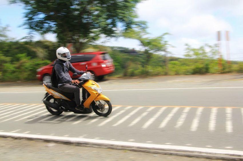 yellow vhroom vhroom EyeEm Best Shots EyeEm Gallery EyeEm Selects EyeEm EyeEmBestPics Panningphotography Panning Motorcycle Motorbike Motorcycle Motorcycle Photography Highway