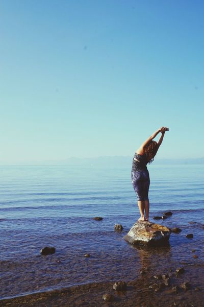 Yogi Yogalove Pure Bliss Capturing Freedom Enjoying Life Blissful Tahoe Blue EyeEm Nature Lover Lake Tahoe Yogaeverydamnday