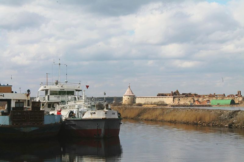Fortress Wall Fortress View Fortress крепостьорешек Fortress Of StoneFortress Of Stone Fortress Europe Fortress, Russia Ship Ships⚓️⛵️🚢 Ships Ships Life Clouds And Sky Cloudscape Shlisselburg WalkingWalking Walking Around Walkingaround пригород шлиссельбург