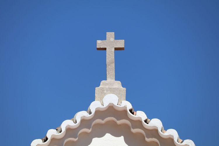 Church Stone Cross Close-up Cross Eye4photography  Sky EyeEm EyeEm Best Shots EyeEmBestPics From My Point Of View Minimal Minimalism Minimalobsession Rooftop Simbolism  Sky And Clouds Religious Symbols EyeEm Gallery Taking Photos Portugal