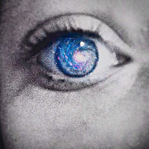 My galaxy Instagram Followme FollowMeOnInstagram Frenchgirl Me :)  Galaxy Eyes my ig : la_vie_dune_gogole