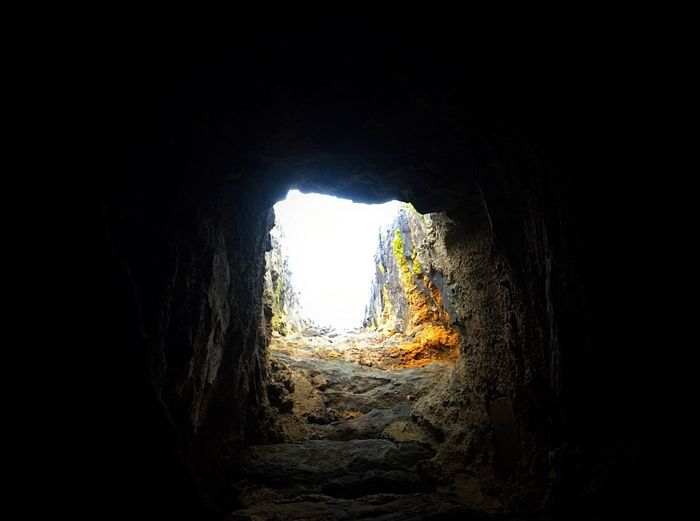 Cave Tunnel Light At The End Of The Tunnel Arch Rock Formation Natural Arch Indoors  Dark Adventure Nature No People