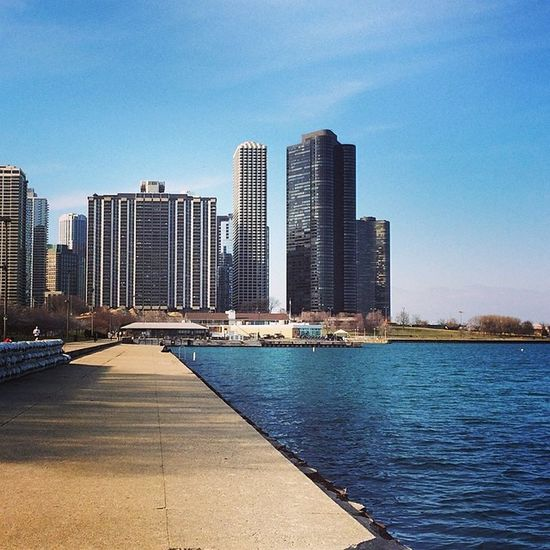 Along the Waterfront Chicago Lakemichigan Grantpark