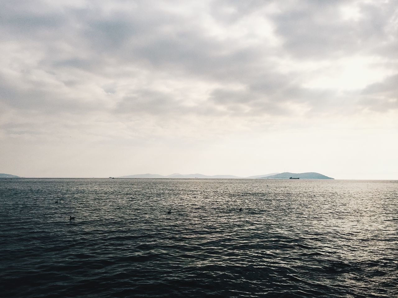 sea, tranquility, water, beauty in nature, scenics, nature, tranquil scene, rippled, waterfront, no people, sky, outdoors, cloud - sky, day, horizon over water
