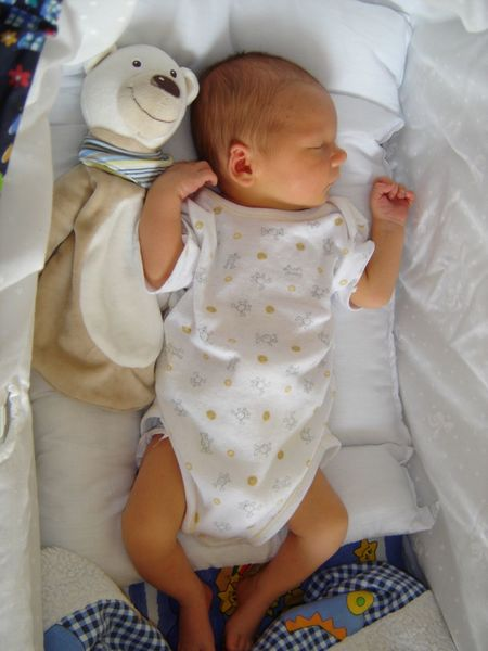 ...eleven years ago😍my son☺️ Baby Babyhood Son Love Family New Life Newborn Cute Indoors  Baby Clothing Uniqueness Real People Hello World Luxxxs Photography Home Tranquil Scene Moments Day Old-fashioned Old Oldpicture Childhood Child Sleeping