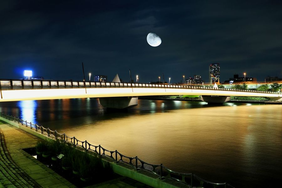 Night Moon Illuminated Moonlight Sumidariver Japan Tokyo Landscape Nightscape Long Exposure Nightview Nightphotography Moon Bridge Reflection