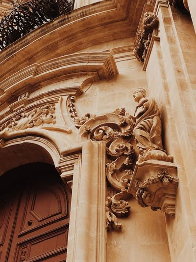 Sicily VSCO Ragusa Ibla, Sicily EyeEm Best Shots EyeEmNewHere EyeEmBestPics Architecture Built Structure No People The Past Low Angle View History Art And Craft Building Building Exterior Architectural Column It's About The Journey