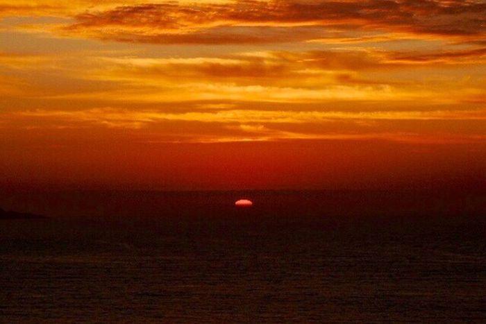 Sundown...♥ Sunset Sea And Sunset Magic Sunset Sunset Lovers My Favorites Sunsets Beautiful Sunset Sunset And Clouds  Clouds And Sky Magic Sky Sunset #sun #clouds #skylovers #sky #nature #beautifulinnature #naturalbeauty #photography #landscape Dramatic Sky Clouds And Sky Colors Fantastic Sunset. Reñaca Beach , Chile