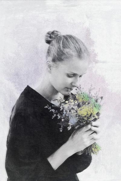 The Memory of Fragant Blooms / www.honnemag.com Portrait Fine Art Photography Simplicity Eye4photography  Hon'ne Magazine