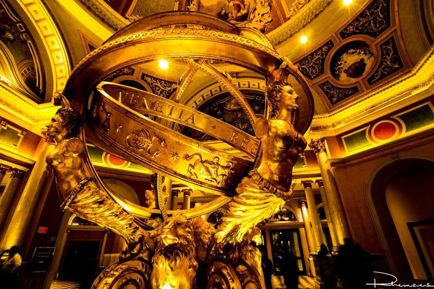 43 Golden Moments Travel Photograph Picoftheday Picture Gold Vegas  Las Vegas Nevada Venetian Statue