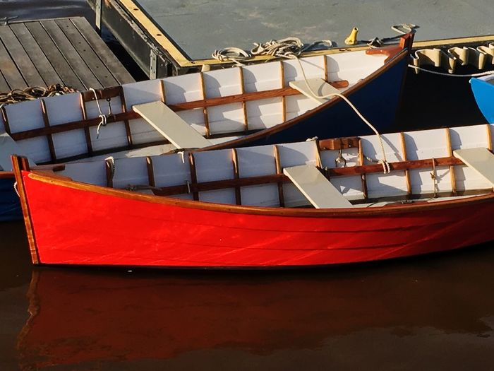 Nautical Vessel Boat Water Transportation Moored Mode Of Transport Outdoors Day No People Sea Nature Sailing Gondola - Traditional Boat Philadelphia Pennsylvania Philly City Transportation Color Red City Of Brotherly Love Penn's Landing Philadelphia