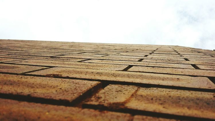 Learn & Shoot: Simplicity Close Up Brickwall colour theme of the mainstreet Carnarvon WA
