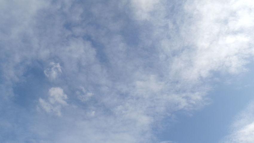 Cloud - Sky Sky Cloudscape Blue Backgrounds Sky Only Nature Outdoors No People Wind Day Scenics Beauty In Nature Berlin Berlin Mitte Berlin Photography Berlincity Berlinsky