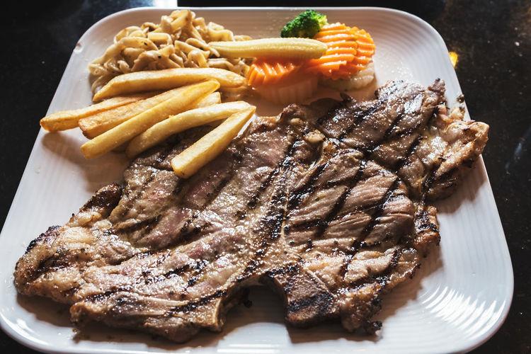 Beef Food And Drink Steaks Babeque Beefsteak Food Franch French Fries Grilled Steak Dinner T-bone Steak