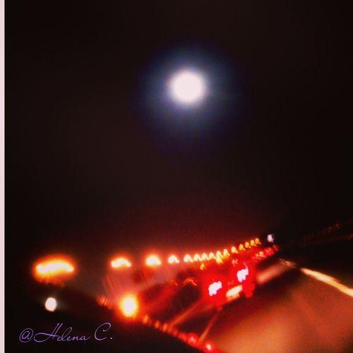 La Luna Timida Se Muestra... Pues No Confia De La Luz...