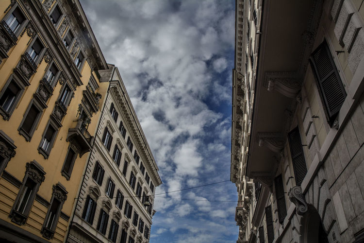 Streetphotography Nikon Photography City Tradition Sky Architecture Building Exterior Built Structure Cloud - Sky Historic Architectural Feature Building Architectural Column Exterior Architectural Design Architectural Detail Palace Decorative Art Architecture And Art