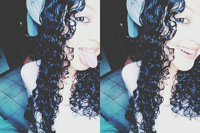 Ooi :) Me Curly Hair Taking Photos