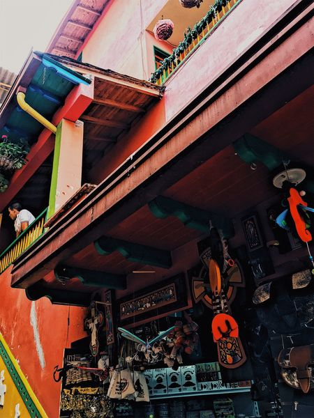 Diagonal lines in Guatapé, Antioquia Tourist Attraction  Tourist Destination Tourism America Latina Latin America Antioquia Colombia Low Angle View Built Structure Architecture Music Day Arts Culture And Entertainment The Graphic City No People Building Exterior Outdoors Musical Instrument