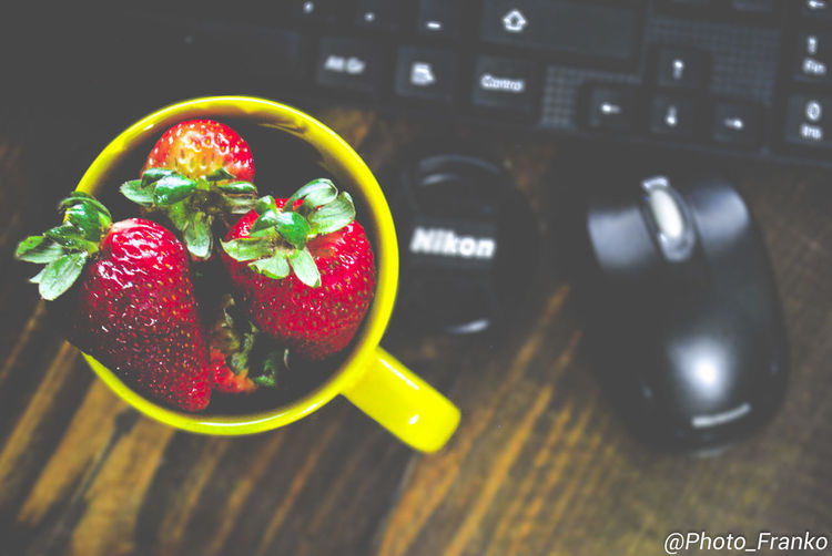 Close-up Day Food Food And Drink Freshness Fruit Healthy Eating High Angle View Indoors  No People Red Table Technology
