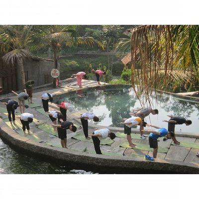 ber Yoga ria di Kampunglumbung Kotabatu INDONESIA PwC Lenovotography Photooftheday Pocketphotography Photostory Lzybstrd