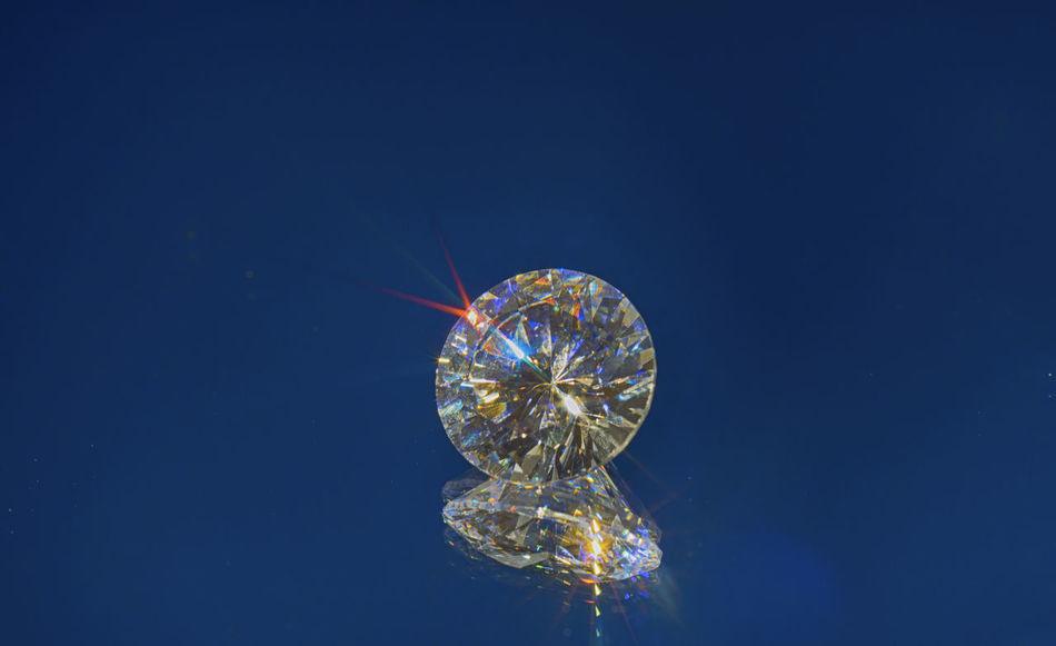 Diamonds are forever Blue Diamond Diamondhead Diamonds Glowing Illuminated Macro Macro Photography Macro_collection Makro Makro Photography No People Zirkon