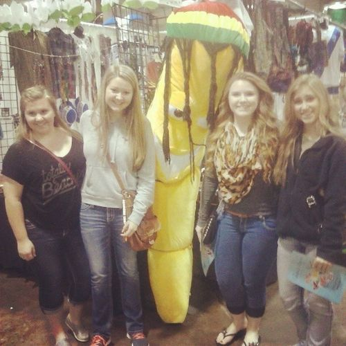 Woman crush Wednesday goes to the girls that make me smile no matter what situation:) Bigbanana Whatbabes Loveyous