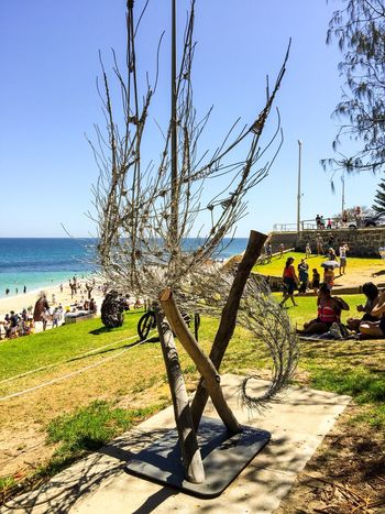 2016 Sculptures by the Sea: Cottesloe Beach Metal Silver  Outdoor Sculpture Design Movement Fibrous Metallic Modern Art Arts Festivals ArtWork Abstract Art Arts And Entertainment March 12,2016 Sculptures By The Sea Sculptures Western Australia Tourist Attraction  Cottesloe Beach Interactive  Tourists Artistic Expression Culture Indian Ocean Beach People