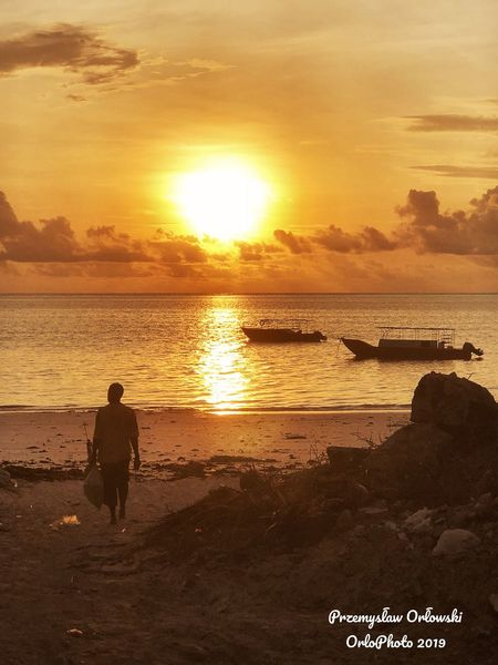 Morning Sunset Beach Sea Beauty In Nature Nature Scenics Orange Color Real People Sun Horizon Over Water People