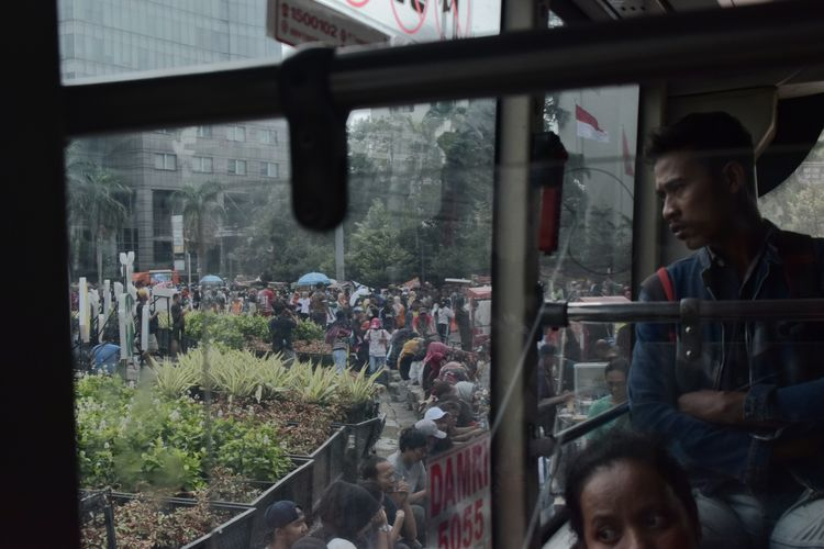 Jakarta, January 2018 Streetphotography Documentaryphotography Street Commuting Commuter Commute Adult Business Finance And Industry Young Adult One Man Only Adults Only People Only Men One Person Real People