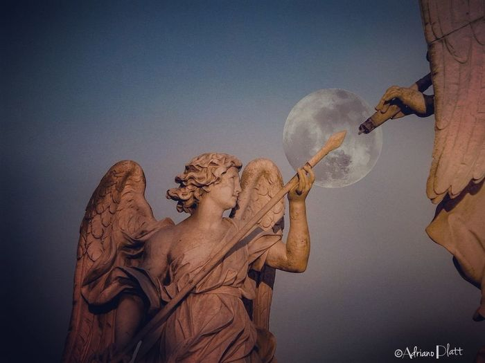 Angel ANGELO Moon Luna Cielo Sky Roma Rome Italy Italia Ponte San Angelo Saint Angels Bridge Puente De San Angel Castel Sant'Angelo Castle Sant'angelo