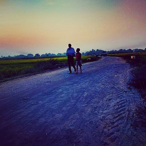 Long way to go....India Bihar Paddyfields Indianvillage Villagelife Life