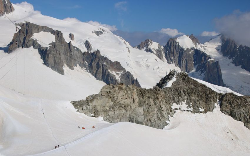 Panoramic view of monte bianco glacier and massif against sky